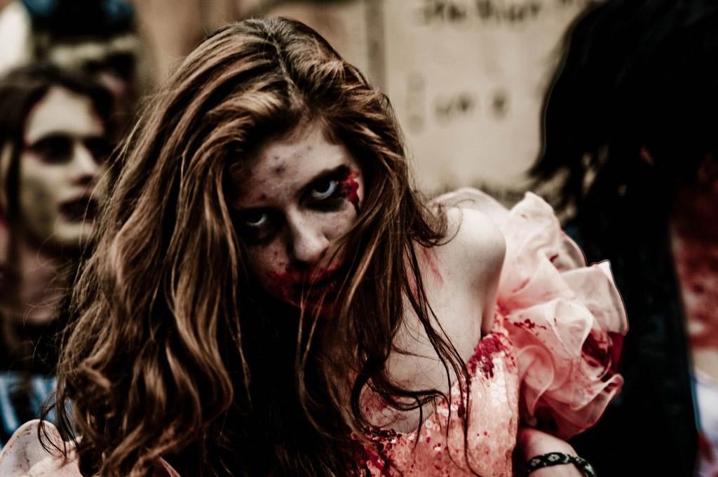 Amazon prevede un'apocalisse zombie e la inserisce tra le sue clausole [Fatto vero]