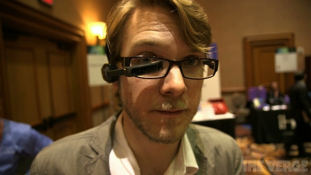 Vuzix M100, prime foto e video dell'alternativa ai Google Glass