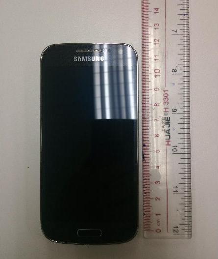 Samsung Galaxy S4 mini, prime immagini del piccolo S4