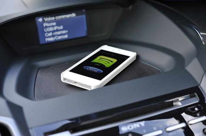 Assicurazione auto, in arrivo l'app per smartphone