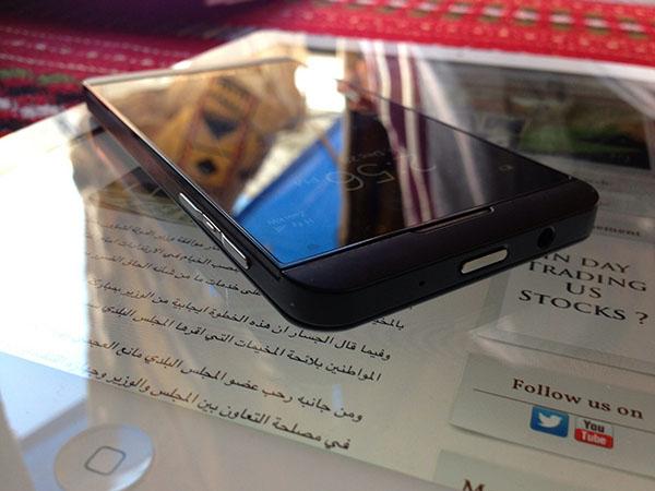 BlackBerry Z10, nuove immagini e specifiche tecniche