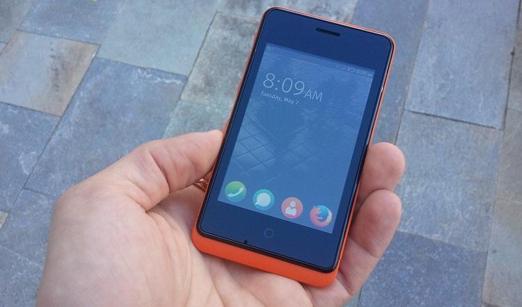 Geeksphone Keon, il primo smartphone con Firefox OS il nostro unboxing e primo avvio