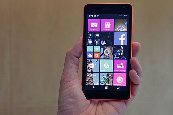 Microsoft presenta Lumia 535, il primo senza logo Nokia
