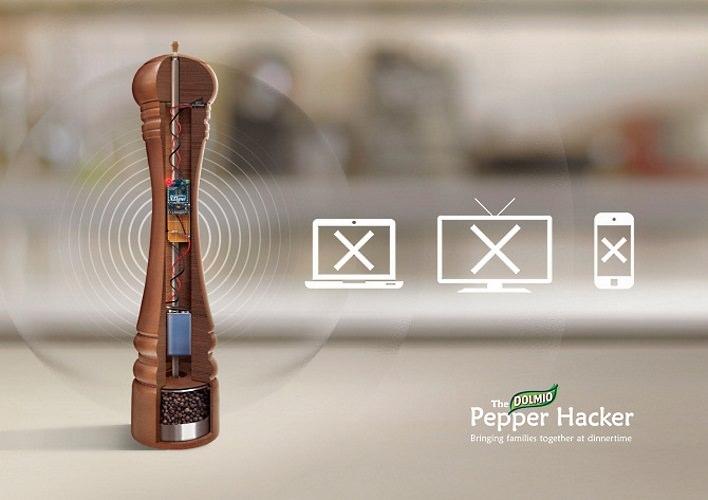 Dolmio Pepper Hacker spegne tutti i dispositivi hi-tech per una tranquilla cena in famiglia