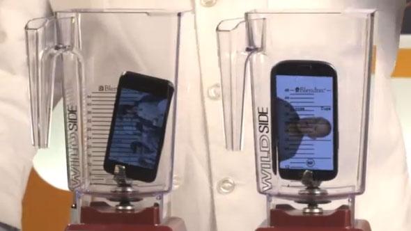 iPhone 5 vs Galaxy S3, sfida a suon di frullatore
