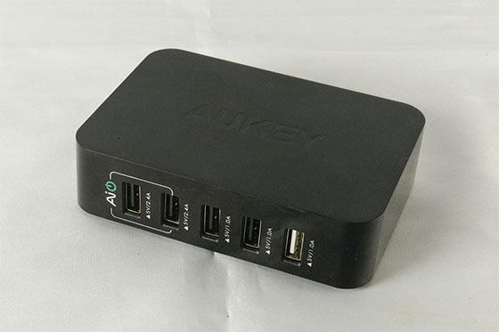 Recensione - Aukey caricabatterie da parte con 5 porte USB