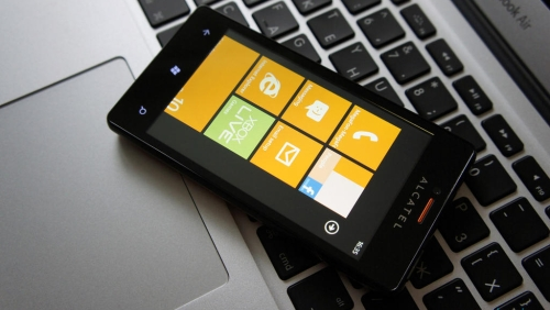 Alcatel pronta a lanciare uno smartphone con Windows Phone